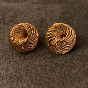 Jewelry - Elegant vintage earrings